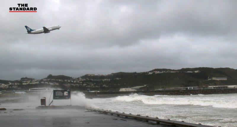 UPDATE-เที่ยวบินนิวซีแลนด์พายุ_cover_