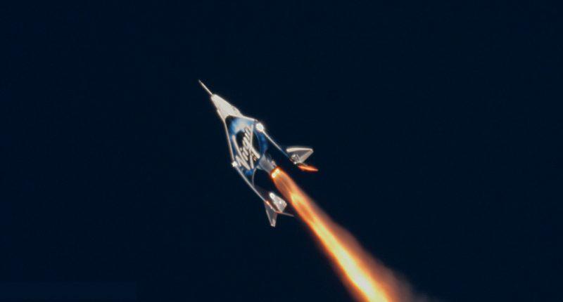 UPDATE-Virgin Galactic ของ ริชาร์ด แบรนสัน ทดสอบบินสู่อวกาศสำเร็จเป็นครั้งแรก_cover_