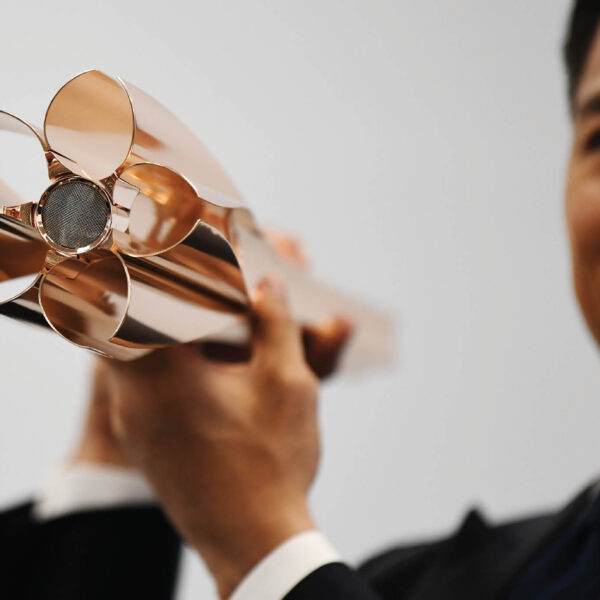 TOKYO 2020 REVEALS OLYMPIC TORCH DESIGN