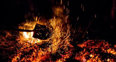 เดินลุยไฟที่บาหลี