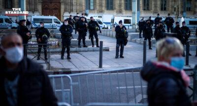 ทางการฝรั่งเศสสั่งพักงานเจ้าหน้าที่ตำรวจที่รุมตีชายผิวสีขณะเข้าจับกุม โดยยังไม่ทราบสาเหตุแน่ชัด