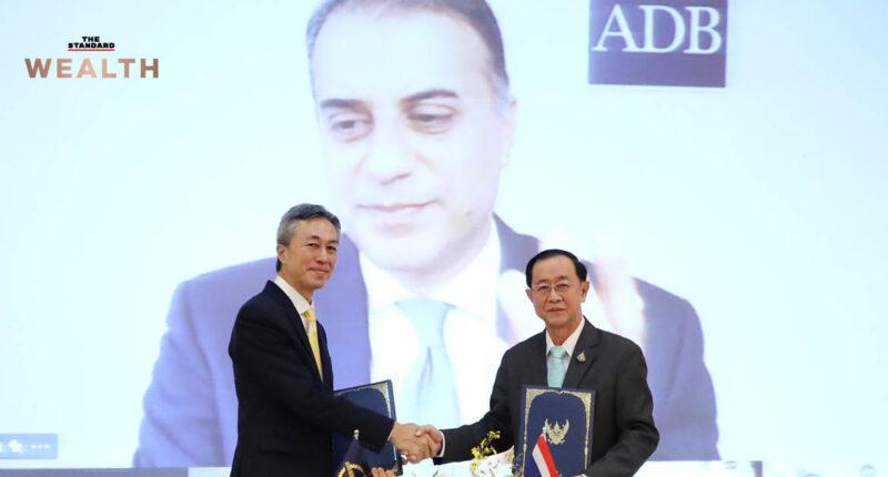 คลังเซ็นกู้เงิน ADB 4.5 หมื่นล้านบาท ฟื้นฟูเศรษฐกิจจากพิษโควิด-19
