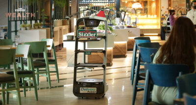 Sizzler ขอล้ำยุค! ใช้ 'หุ่นยนต์' เป็นพนักงาน ทำทุกอย่างตั้งแต่รับลูกค้า เสิร์ฟอาหาร ไปจนถึงร้องเพลงวันเกิด ประเดิมสาขาสยามเซ็นเตอร์