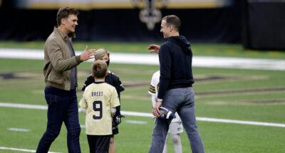 ภาพประทับใจสองตำนาน 'NFL' ทอม เบรดี กลับมาบอกลา ดรูว์ บรีส์ เป็นครั้งสุดท้าย