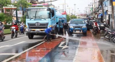 เทศบาลเมืองปัตตานีเริ่มทำความสะอาดพื้นที่ หลังน้ำท่วมเริ่มคลี่คลาย แต่ประชาชนยังกังวลน้ำท่วมซ้ำ