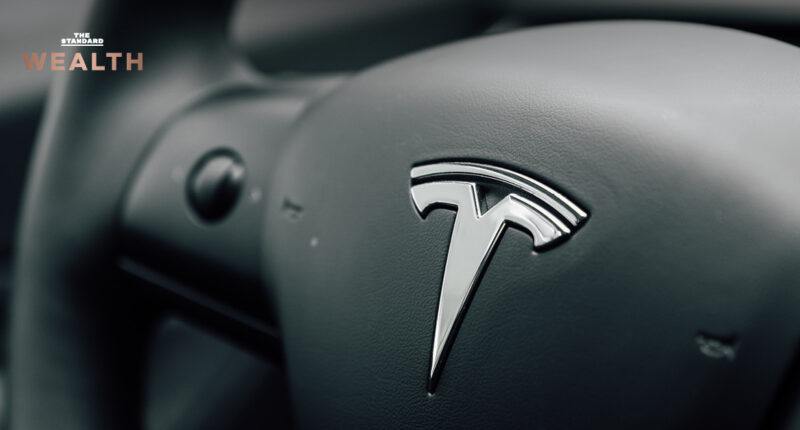 สหรัฐฯ เรียกรถยนต์ไฟฟ้า Tesla คืนกว่า 1 แสนคัน หลังพบปัญหาที่แผงควบคุมแบบสัมผัส เสี่ยงไม่ปลอดภัย