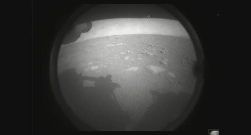 ยาน-Perseverance-ของ-NASA-ลงจอดบนดาวอังคารสำเร็จ-ก่อนเริ่มภารกิจค้นหาร่องรอยสิ่งมีชีวิต