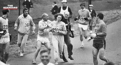 แคทเธอรีน สวิตเซอร์ นักวิ่งหญิงคนแรกในบอสตัน มาราธอน