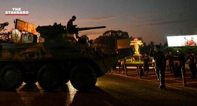 กองทัพเมียนมาเคลื่อนรถถังตรวจตราหลายเมืองสำคัญ ชัตดาวน์อินเทอร์เน็ต บุกจับยามวิกาล เจ้าหน้าที่ UN ชี้เท่ากับประกาศสงครามกับประชาชน