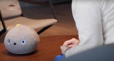 Panasonic เอาใจคนเหงา เปิดตัว 'Nicobo' หุ่นยนต์แมวสุดติสท์ หน้าตาเหมือนถุงเท้า 'ชอบตด'