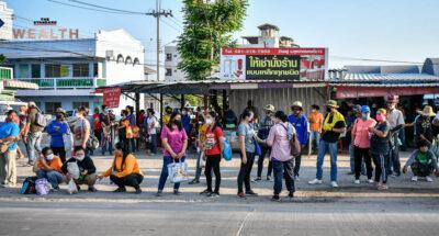 ศูนย์วิจัยกสิกรไทยชี้ดัชนีภาวะการครองชีพฯ คนไทยเดือน ก.พ. 2564 ยังต่ำเกณฑ์ เร่งรัฐออกมาตรการกระตุ้นต่อเนื่อง