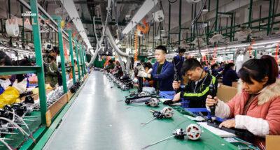 จีนเผย ภาคการผลิตเดือนกุมภาพันธ์แตะระดับต่ำสุดในรอบ 8 เดือน สะท้อนเศรษฐกิจเริ่มโตชะลอ