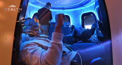 'Blue Origin' บริษัทเทคโนโลยีอวกาศของ เจฟฟ์ เบโซส์ เผย 'ตั๋วทัวร์อวกาศใบแรก' ราคาประมูลพุ่งแตะ 63 ล้านบาทแล้ว