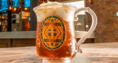 จิบบัตเตอร์เบียร์ในร้านไม้กวาดสามอัน! Harry Potter Store ในนิวยอร์ก เตรียมเปิดโซน Butterbeer Bar