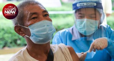 สธ. แจงผู้สูงอายุที่ลงทะเบียนฉีดวัคซีนป้องกันโควิด-19 ผ่าน 'หมอพร้อม' จะได้ฉีด AstraZeneca