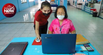 โรงเรียนในยุคโควิด-19 ครูหลายคนต้องปรับตัวในวันที่ต้องสอนเด็กผ่านระบบออนไลน์