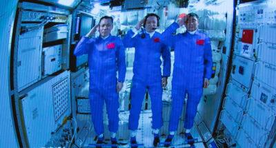 นักบินอวกาศ จีน