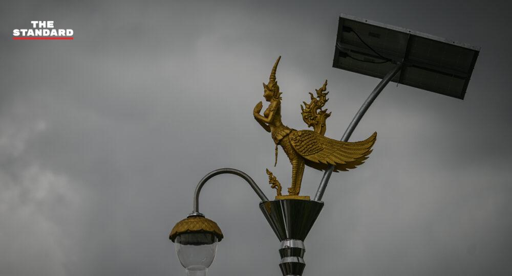 'เสาไฟกินรี เสาไฟที่มีคำถามว่ากินภาษีประชาชนหรือไม่' นายกฯ อบต. ยืนยันไม่มีทุจริต ถนนไม่ได้ร้าง แค่ช่วงหน้าฝน
