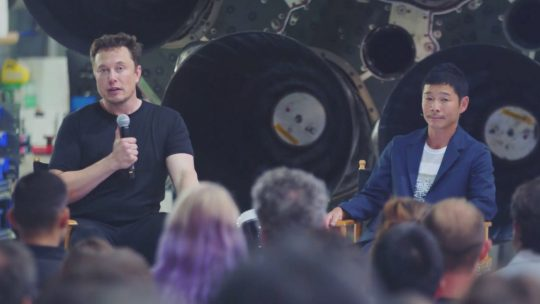 เผยแล้วมหาเศรษฐีญี่ปุ่น ยูซากุ มาเอซาวา  คือนักท่องเที่ยวอวกาศคนแรก  ที่จะได้บินไปดวงจันทร์โดย SpaceX!