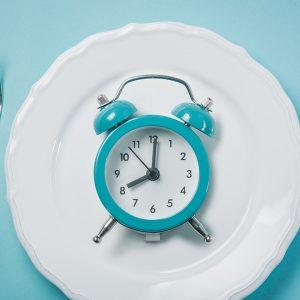 อดอาหารไปทำไม? Intermittent Fasting เทรนด์การอดอาหารที่ว่ากันว่าดีต่อสุขภาพ ดีจริงหรือ?