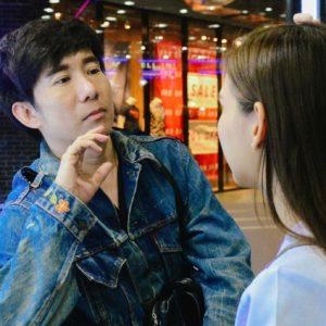 """เปิดใจช่างแต่งหน้ามือหนึ่งของไทย ป้อม วินิจ """"จุดสูงสุดของช่างแต่งหน้า คือแต่งคนธรรมดาให้เขาสวยที่สุด"""""""