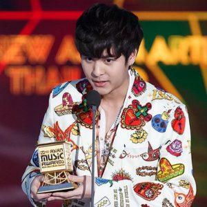 The TOYS ขึ้นรับรางวัล Best New Asian Artist งาน #MAMA2018 พร้อมฉายา Mr.Shy ที่แฟนเพลงเกาหลีมอบให้!