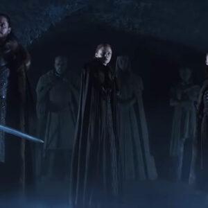 Game of Thrones ซีซัน 8 เสียงกระซิบ ขนนกแช่แข็ง และรูปปั้นของ 3 พี่น้อง ปริศนาจากตัวอย่างแรก ก่อนฉายจริง 14 เมษายนนี้