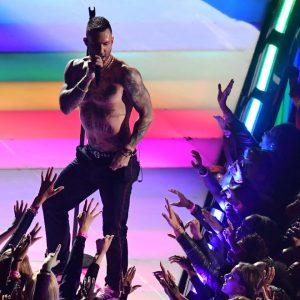 Maroon 5 กับการแสดง Super Bowl Halftime Show ที่จบไม่สวยอย่างที่คิด