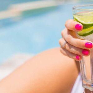 หน้าร้อนกับน้ำเย็น ควรดื่มหรือไม่ควรกันแน่?
